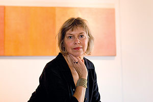 Janis_pozzi_johnson_with_painting